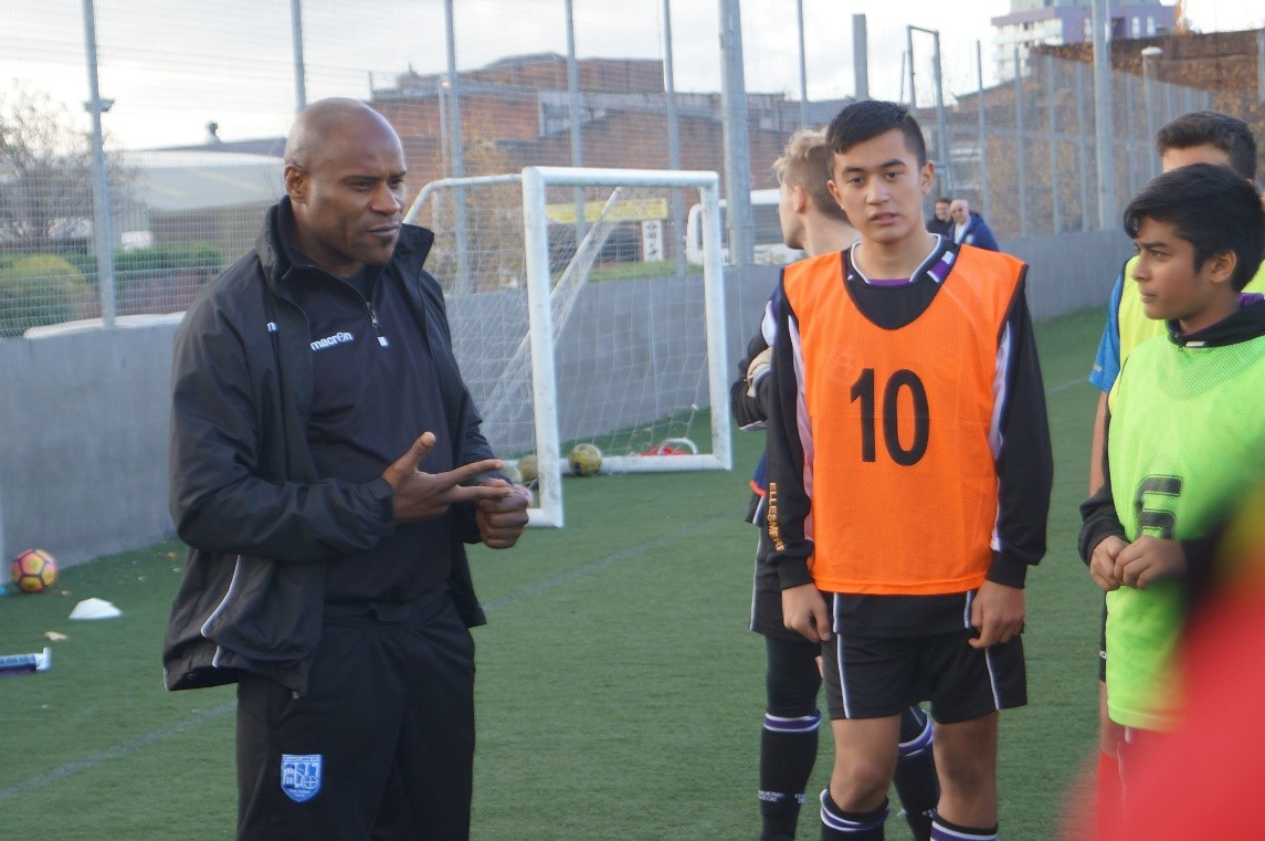 Frank Sinclair Provides Guest Football Coaching Session on Talent I.D. Camp